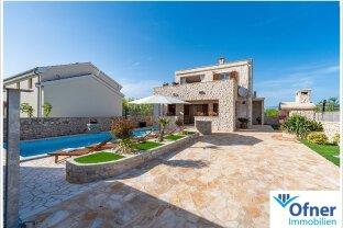 Wunderschöne Villa in idyllischem Touristendorf Nähe Zadar - zur Eigennutzung & Vermietung