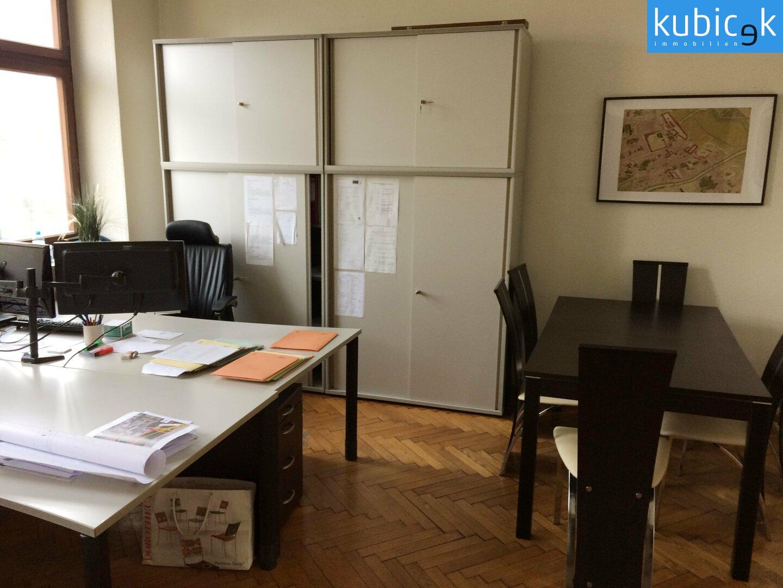 Büroraum-gartenseitig