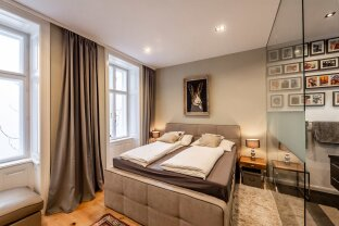 perfekt ausgestattete 3-Zimmer-Altbauwohnung - voll möbliert // perfectly equipped 3-room apartment - fully furnished