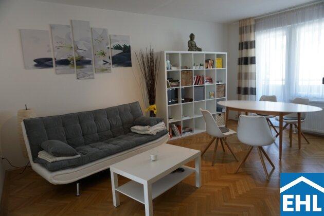 Wohnzimmer eingerichtet