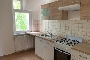 wunderschöne 2 Zimmer Altbauwohnung * mit Innenhof Garten * Wg-geeignet