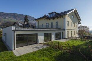 Herrliche Wohnung mit Garten und Terrasse in anmutiger, eleganter Villa (Top 5)