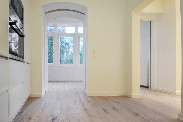 Foto von Hochwertige 3-Zimmer Altbauwohnung inkl. 2 Badezimmern und einem ca. 50 m² Garten!!!
