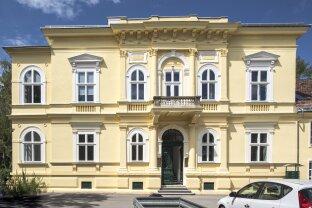 Modern Wohnen in Historischer Residenz in Baden