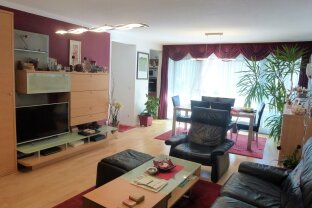 3 Zimmer, Loggia, Garage und tolle Lage - Wohlfühlen garantiert!