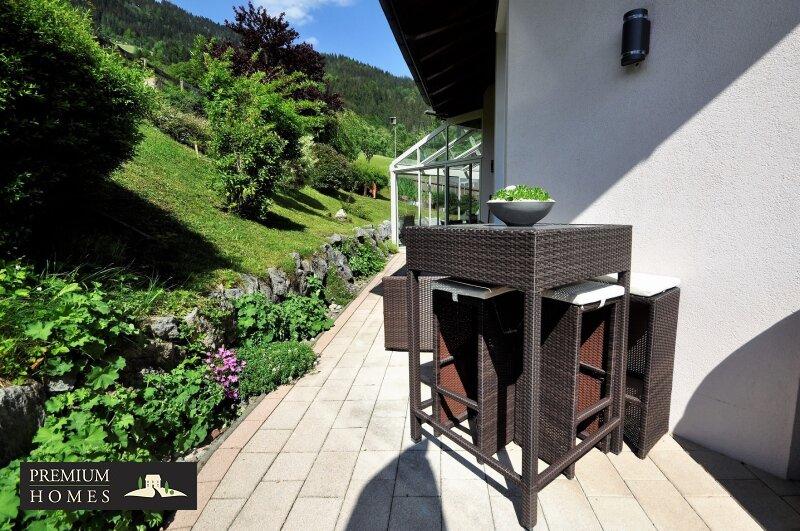 Kirchbichl Zweifamilienhaus_ hohe Qualität mit Modernen Design_Terrasse