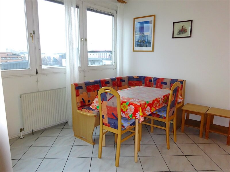 Loggiaweitblick:  2 Zimmer + Wohnküche, 6. Liftstock, Baujahr 1995, sonnig + ruhig, U3-Nähe! /  / 1030Wien / Bild 7