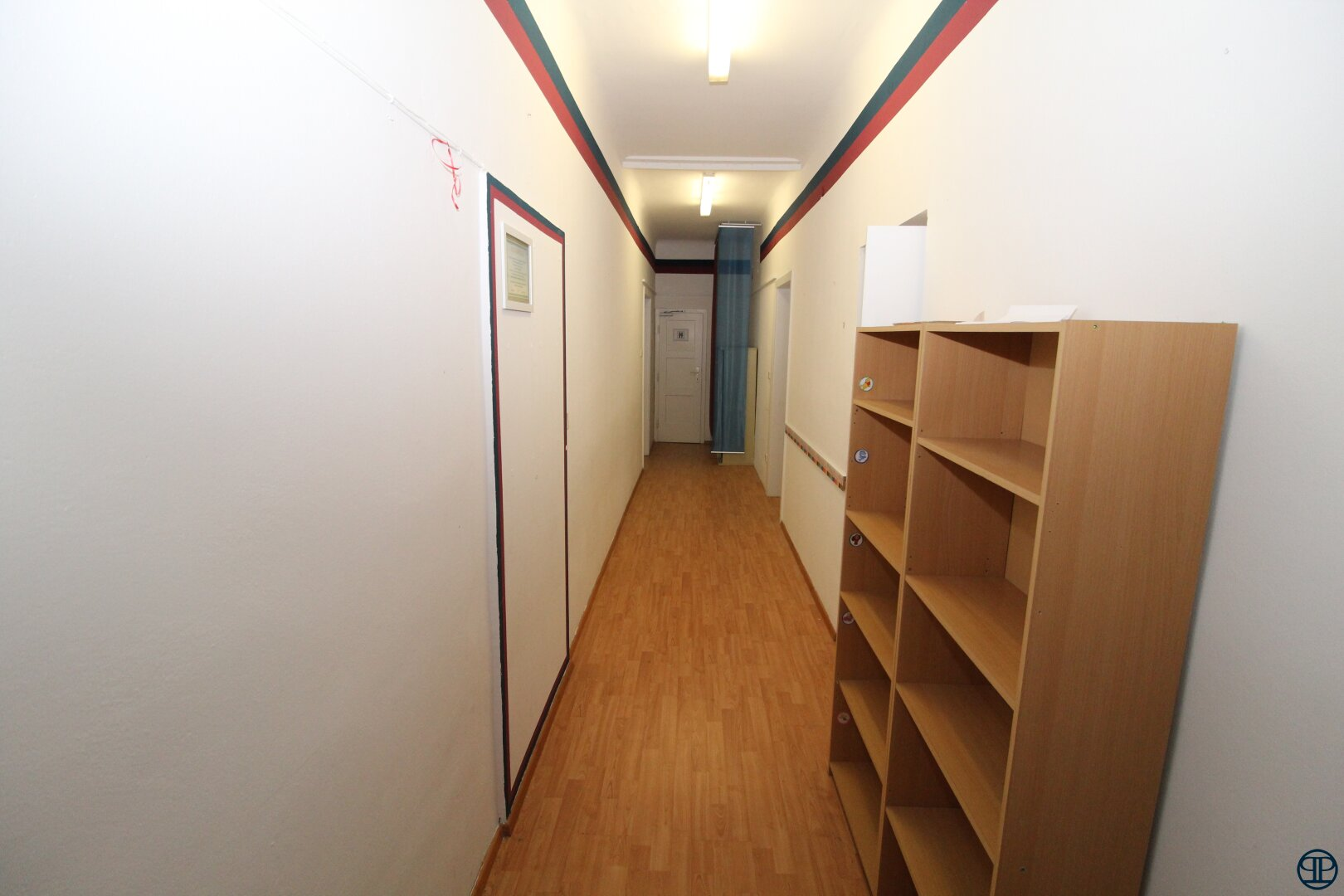 Gang Büro 11 und Büro 12