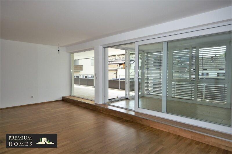 BAD HÄRING - MIETWOHNUNG - Wohnzimmer mit Wintergarten