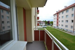 ruhig gelegene 3 Zimmer Wohnung in Grünlage mit Balkon