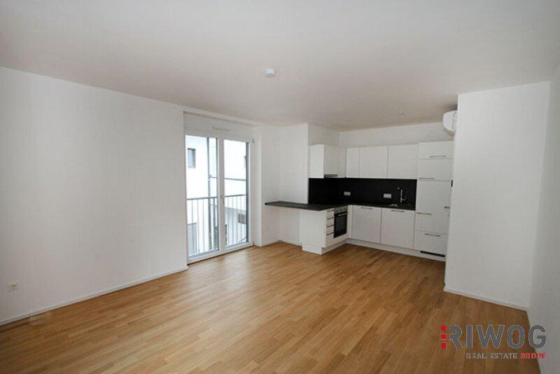 ERSTBEZUG - wunderschöne 3-Zimmer Wohnung  mit riesiger Dachterrasse im Hofzubau /  / 1180Wien / Bild 1