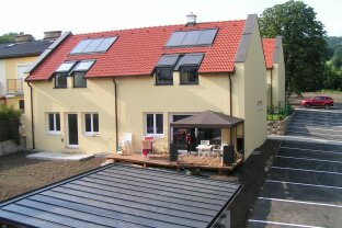 WHA 2381 Laab im Walde, Hauptstraße 42 (4 Doppelhaushälften und 7 (Dachterrassen) Wohnungen mit Balkon)
