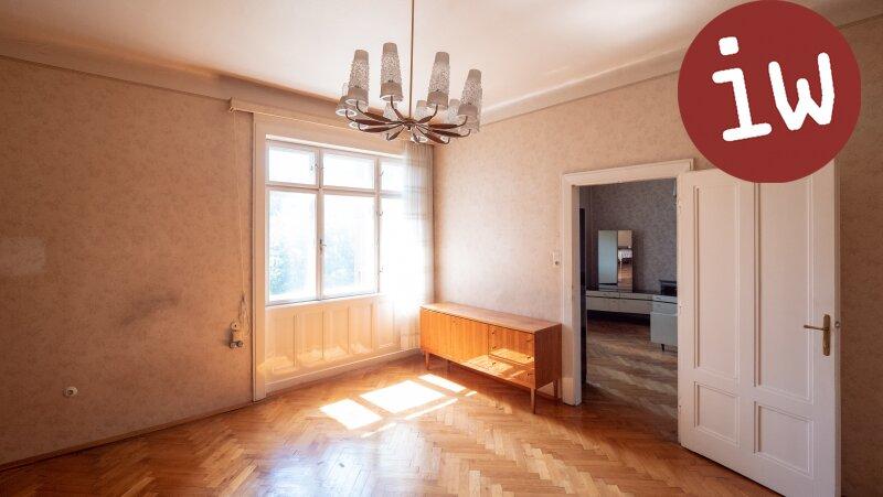 Zentrum: Charmanter Altbau 3 Zimmer Eigentumswohnung mit Loggia und Garten Objekt_638 Bild_15