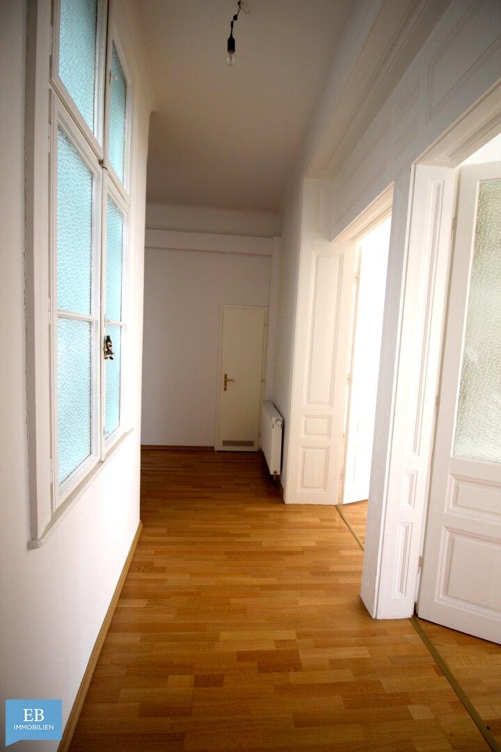 Vorzimmer mit Garderobenbereich
