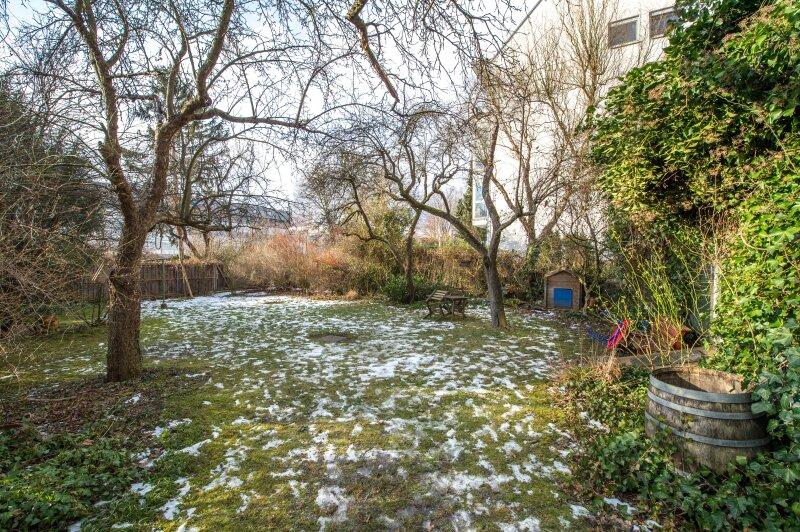 ++NEU++ ERSTBEZUG: Kernsanierte DG-Wohnung in Stilvilla! idyllischer Garten! **perfekt für Anleger** /  / 1140Wien / Bild 8