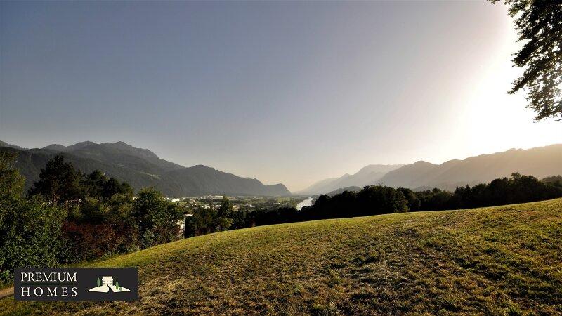 BREITENBACH am Inn - Alte Villa auf riesigem Grundstück zur Sanierung_direkte Umgebung_Hauszufahrt Richtung Südwesten