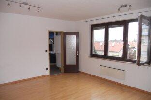 Mödling - 2 Zimmerwohnung mit 70 m2 mit KFZ-Abstellplatz
