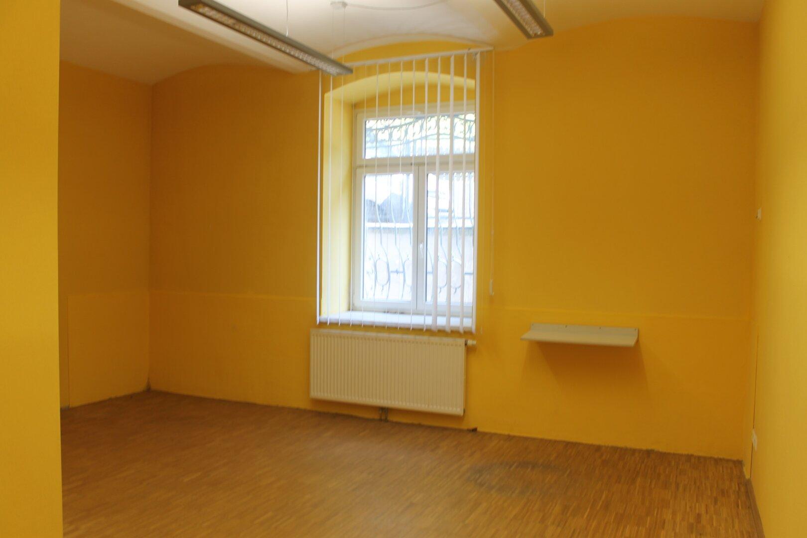 Büro/Praxiszimmer