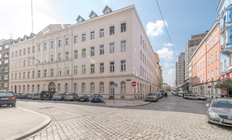 ++NEU** Wohnungspaket: Toller Altbau, unbefristet vermietete Altmieterobjekte mit Potenzial!