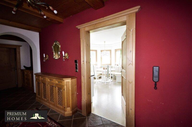 Breitenbach am Inn - Elegantes Landhaus - Flur Parterre
