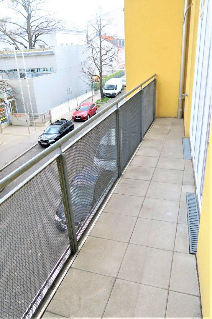 Einer von zwei Balkonen