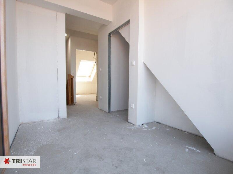 Hochwertig errichtete 2,5 Zimmer DG-Maisonette mit Küche, Abstellraum, Terrasse und fantastischem Wienblick! /  / 1100Wien / Bild 2