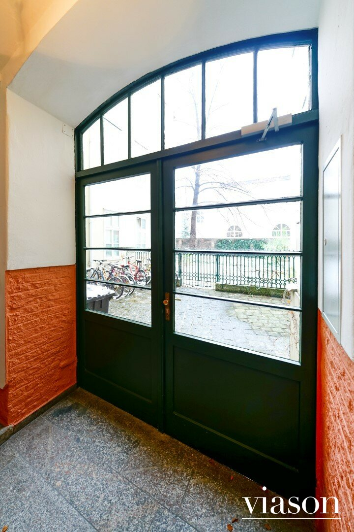 Tür zum Innenhof / Garten