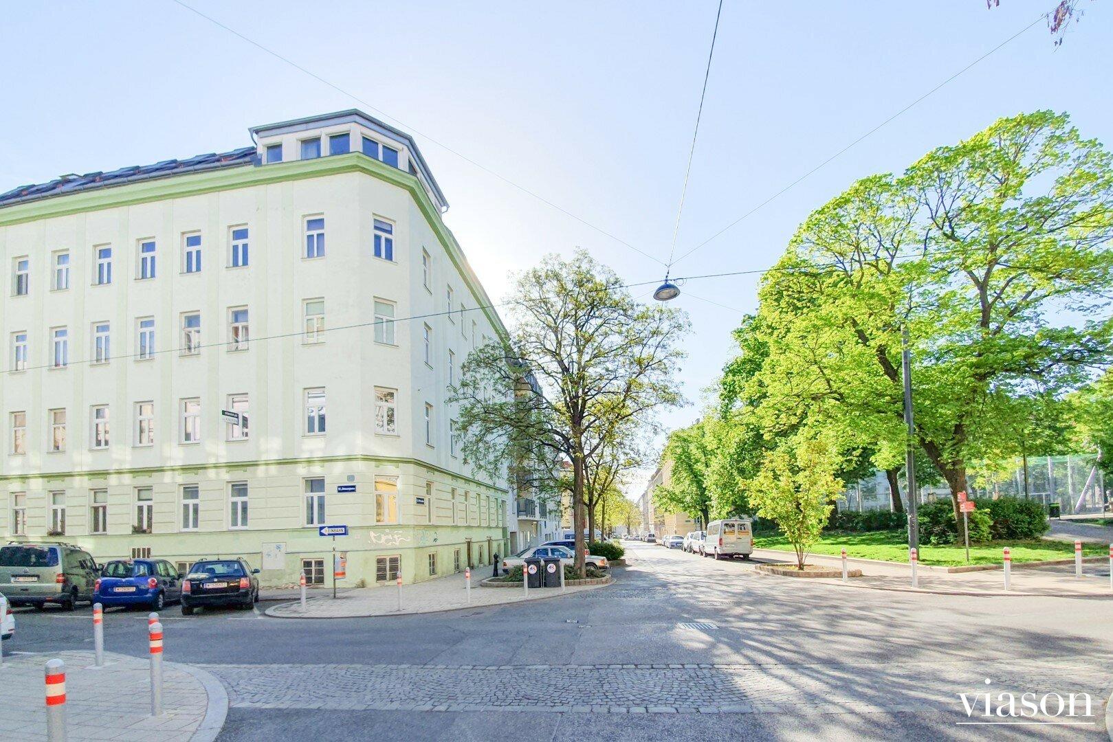 Fassade + Stöberplatz