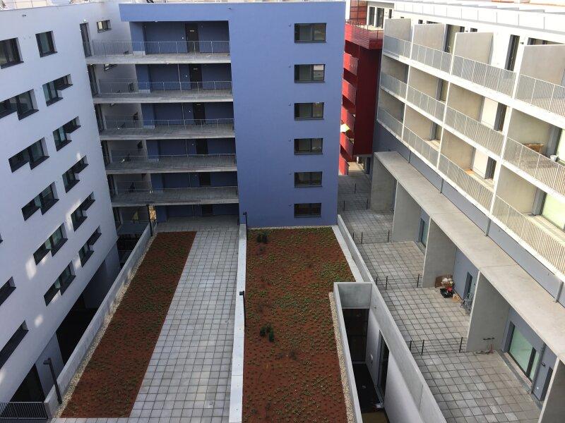 ERSTBEZUG & UNBEFRISTET: Familientraum mit Gemeinschafts-POOLl! Schöne 4-Zimmer-Maisonette mit Innenhof-Terrasse im 2./3. Stock - PROVISIONSFREI! /  / 1230Wien / Bild 1