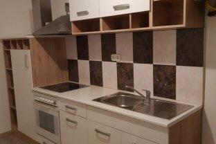 renovierte 3-Zimmer Wohnung -bahnhofsnah- Gartenmitbenützung
