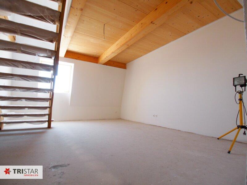 Hochwertig errichtete 2,5 Zimmer DG-Maisonette mit Küche, Abstellraum, Terrasse und fantastischem Wienblick! /  / 1100Wien / Bild 3