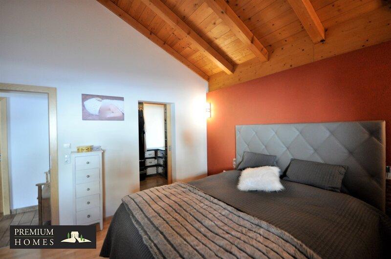 Kirchbichl Zweifamilienhaus_ hohe Qualität mit Modernem Design_Schlafzimmer