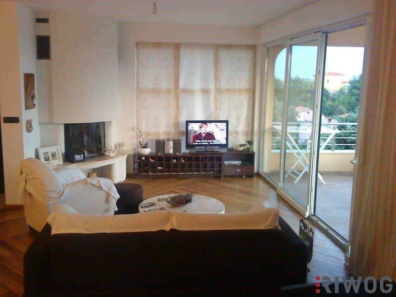 +++ Ferienhaus mit drei Wohnungen und schönem Meerblick  +++ /  / 53287Rab / Bild 3