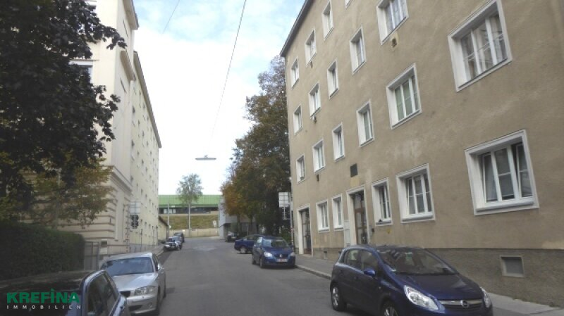 70 m² - WOHNUNG, IDEALE RAUMAUFTEILUNG, SANIERUNGSBEDÜRFTIG