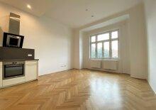 Großzügige 3 Zimmer Wohnung | U-Bahn Nähe | Einbauküche