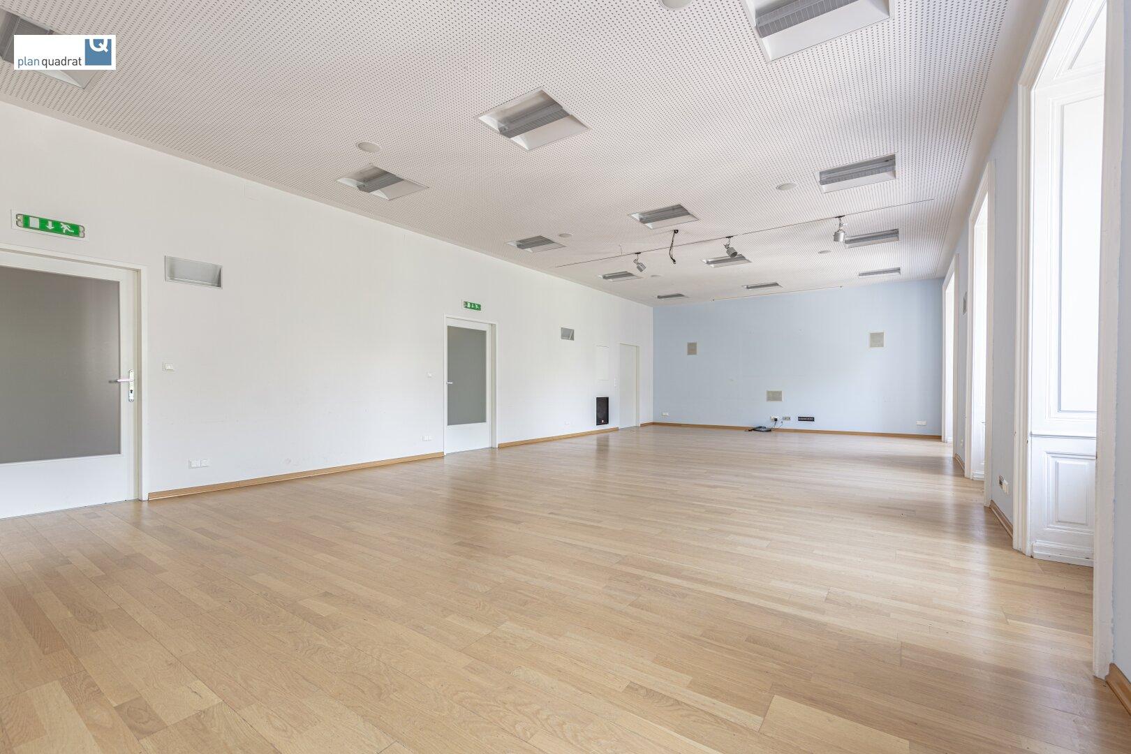 Büro 1 / Konferenzraum (ca. 70,80 m²)