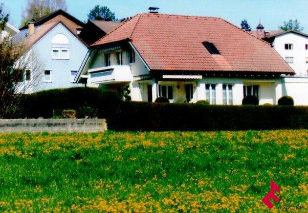 gepflegtes Baumeister-Massivhaus