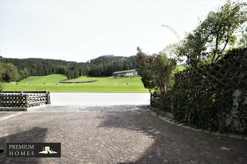 Breitenbach am Inn - Elegantes Landhaus - Hauszufahrt