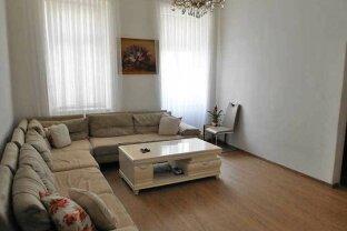 Gut ausgestattete Wohnung im Altbau-Parterre, Obj. 12448-CL