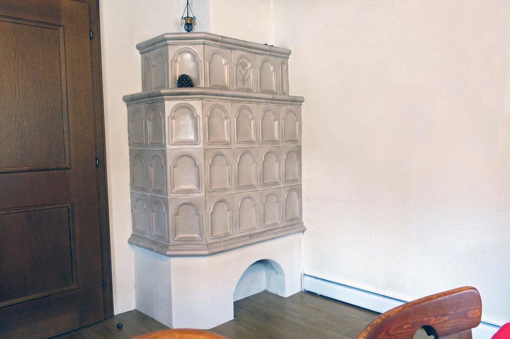 Haus Thiersee-Landl, Kachelofen EG
