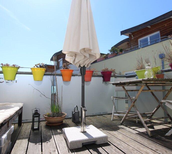 Wunderschöne, helle Maisonetten-Wohnung mit ruhiger Terrasse