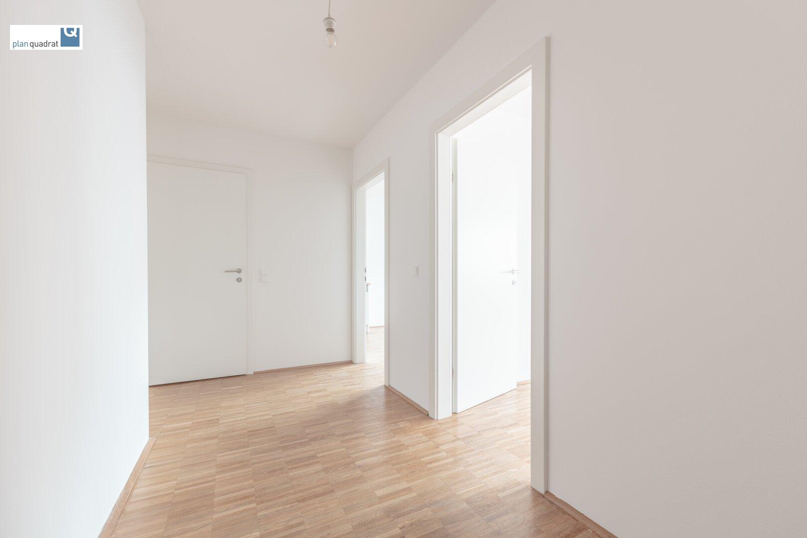 Vorraum (alle Räume sind zentral begehbar)