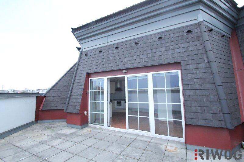 Traumhaft schöne Dachgeschoss-Maisonette-Wohnung mit TERRASSE