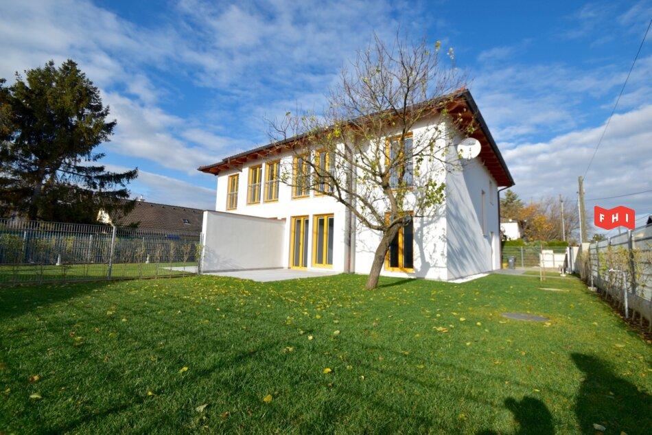 Erstbezug, energieeffiziente 130m² Niedrigenergie-Doppelhaushälfte mit Terrasse u. Garten in schöner Grünruhelage Nähe U2 Aspern Nord