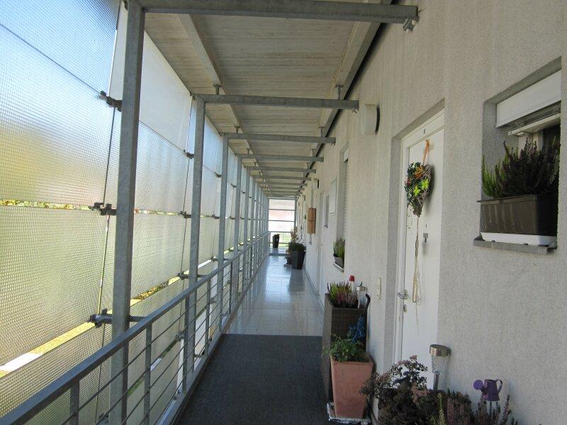 Wohnung über zwei Etagen: schöne 3 Zimmer- Maisonettenwohnung - Provisionsfrei !