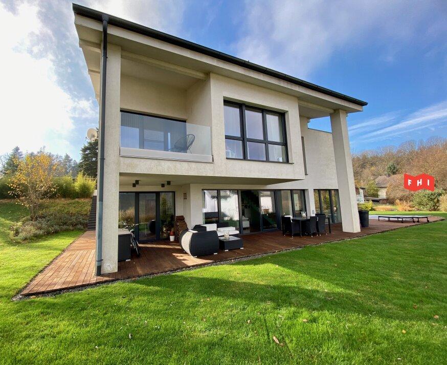 Moderne Architektenvilla mit 7 Zimmern