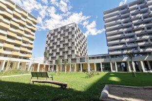 ERFOLGREICH VERMITTELT:   ERSTBEZUG ... Sehr Schöne und Helle 2 Zimmer Wohnung mit Balkon