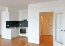 Ruhiges Appartement mit Loggia und Blick in einen herrlichen Innenhof, U2