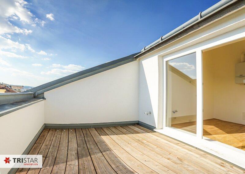 NEU! ++ Renoviert und Bezugsfertig ++ 2 hochwertige 3-Zimmer Dachgeschosswohnungen ca. 80 m2 zzgl. Terrasse ca. 8 m², 1050 Wien!