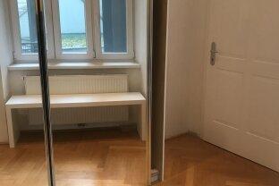 Neu sanierte Altbauwohnung mit 2 Zimmer und Balkon im 5 Bezirk
